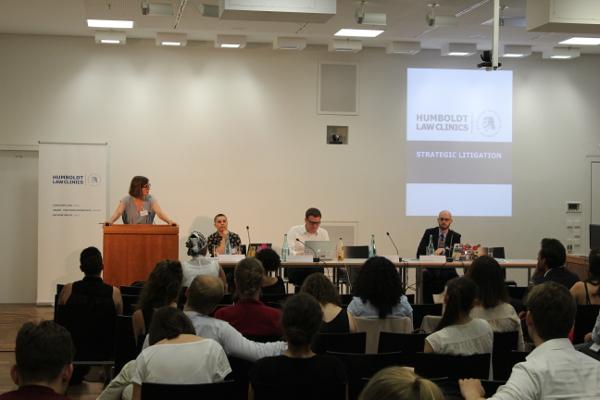 Prof. Dr. Katharina de la Durantaye, LL.M. (Yale) opening the panel